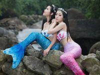 """江西龙虎山上演真人版""""美人鱼Twins"""""""