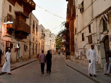 奥媒:沙特将首次发放旅游签证 欲吸引更多外国游客