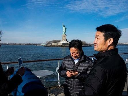 美媒称美签证新规波及中国人 美旅游业或损失成百上千亿美元