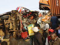 肯尼亚西部发生重大交通事故致36人死亡