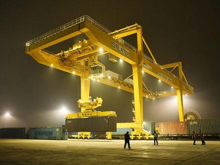 """外媒称中国帮哈萨克斯坦建新""""港口"""":因为中国,这里成了中心"""