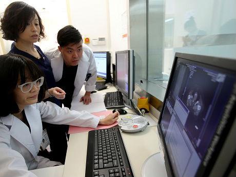 中国医院为何向患者隐瞒癌症病情?外媒:家属怕影响情绪