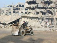 摩苏尔民众努力重建家园