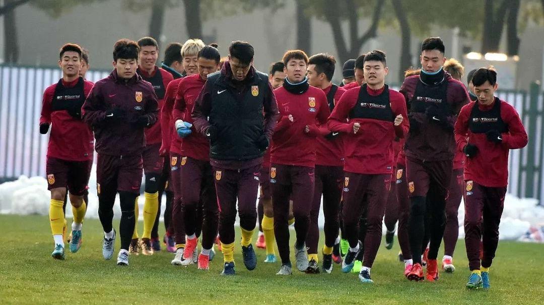 """中国足球期待打响""""东京奥运第一枪"""""""