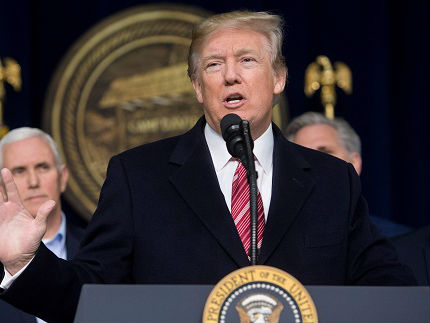 特朗普愿有条件与金正恩对话 宣称韩朝重启谈判功劳在自己