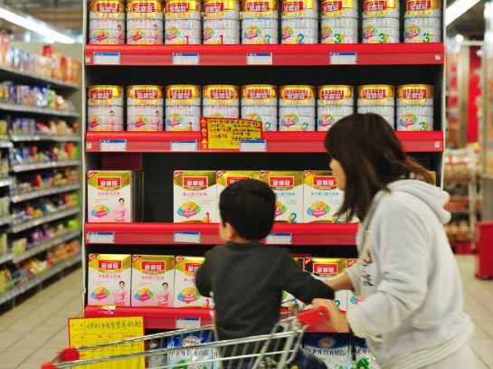 中国奶粉新规控制洋品牌数量 英媒:重振对本土品牌信心
