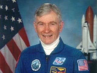 """第一位实现6次太空飞行的人去世:被赞""""美国真正财富"""""""