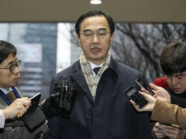 韩朝高级别会谈今举行 韩媒:朝方代表步行越过三八线赴会
