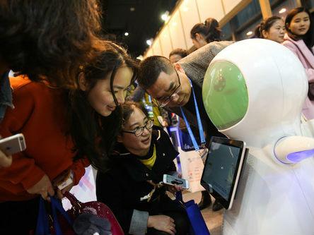 中美谁能领跑人工智能领域?专家:中国发展规划更清晰