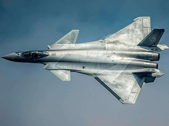 港媒称歼-20开展首次实战训练 被英专家盛赞性能非凡