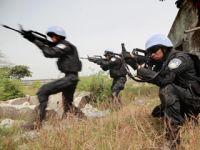 中国第五支驻利比里亚维和警察防暴队开展综合战术演练
