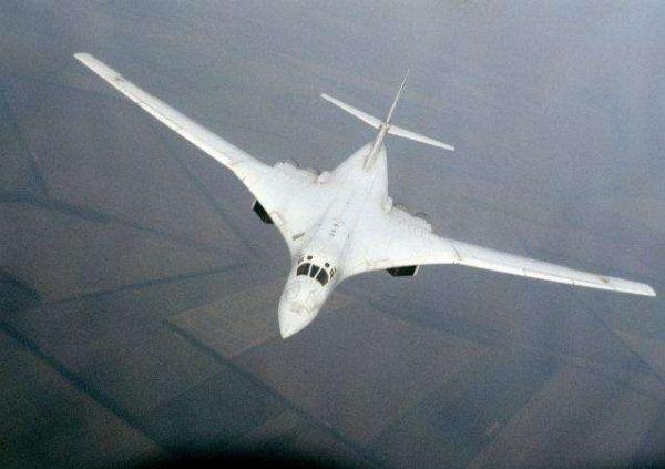 jin6001.com金沙:俄批量订购图-160M2轰炸机:首批单价2.7亿美元