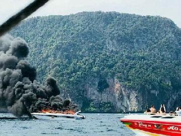 港媒:泰国载27名中国游客快艇爆炸5游客重伤1船员死亡
