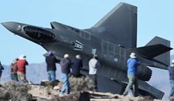 堪比大片!近拍美军F-35练超低空突防