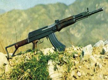 美媒盛赞中国81式步枪性能可靠:寿命可达1.5万发子弹