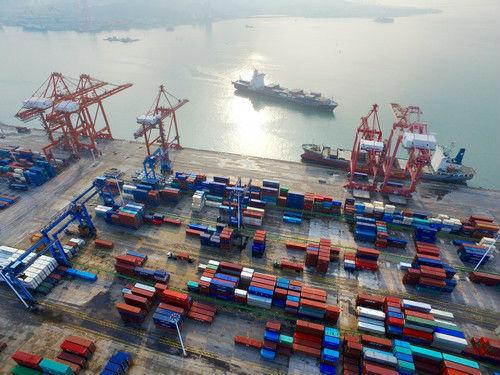 """港媒:中国经济40年历经三次""""再平衡"""""""