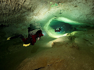 全球最长的水下洞穴