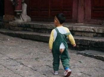"""中国这一婴儿""""神器""""让老外惊叹 西方从中学到一套新育儿法"""