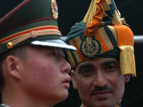 港媒称中印边境驻军恢复例行交流:缓和两国关系积极信号