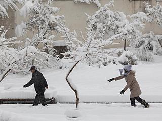 民众祈雨 结果下大雪了