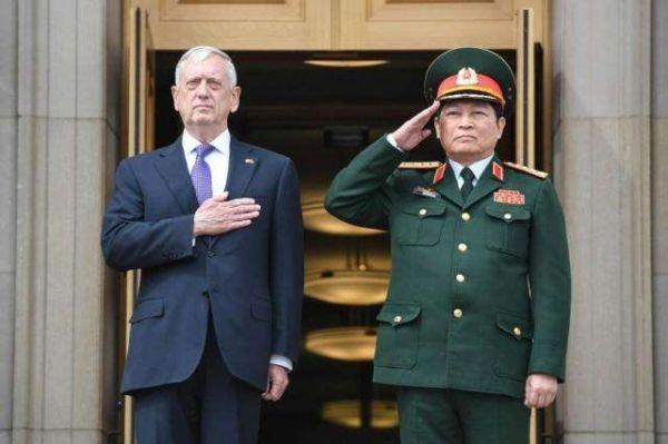 """中国""""淡定""""对待美航母访越 经济军事实力奠定自信心态"""