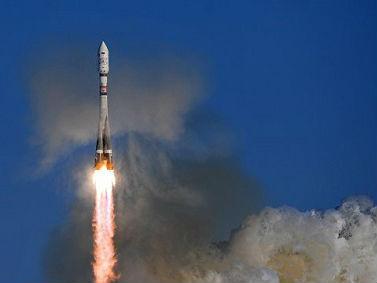 """俄媒:俄成功发射""""1箭11星"""" 9星来自外国"""