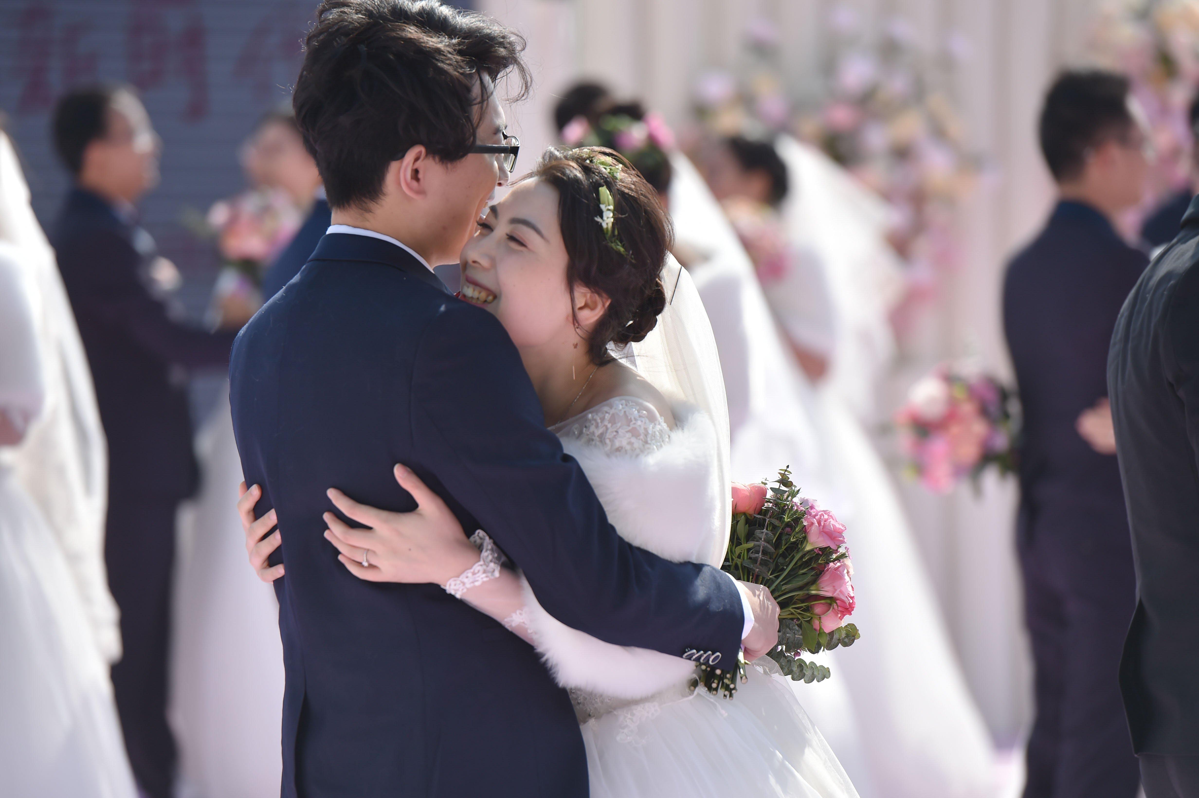山西设9500万结婚补贴鼓励年轻人结婚 英报:欲提高生育率