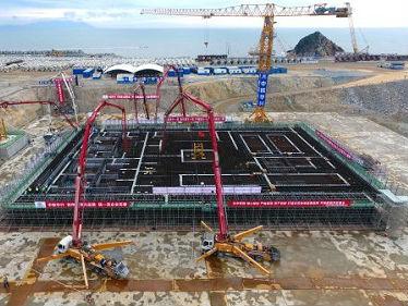 法媒:中俄雄心勃勃大力发展核能 建设未来核反应堆
