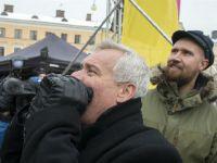 芬兰工人罢工反对政府削减失业金