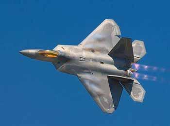美媒称新型交管系统或使F-22和F-35失隐形能力