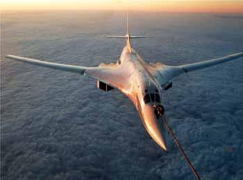 俄媒详述图-160前世与未来:为新战轰打磨技术 或推民用版