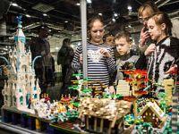 华沙举办大型乐高积木展
