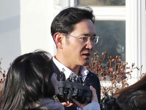 """韩法院称李在镕""""被动行贿""""改判缓刑 韩媒:或激起民愤"""
