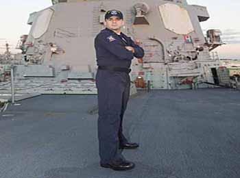 旧貌换新颜提振士气 美海军开发新型作战制服