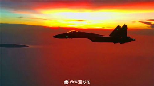 """台媒关注解放军苏35赴南海巡航:或为回应美再提""""航行自由"""""""