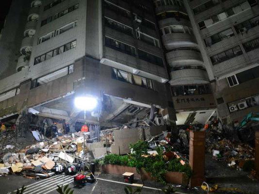 台媒:花莲地震已致9人死亡 4名大陆游客罹难