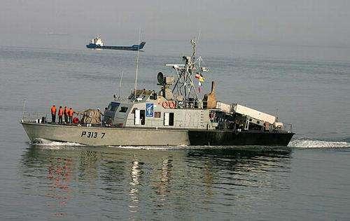 """伊朗革命卫队接收上百艘快艇 针对""""波斯湾敌对行动"""""""
