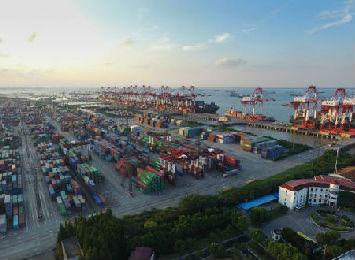 """中国1月外贸实现""""开门红"""" 美媒:全球需求稳定增长"""