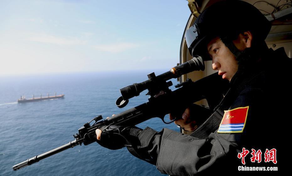中国海军为世界粮食计划署船舶护航任务
