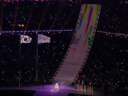 美媒:美国花滑队亚裔人数创新高 14人中占7人