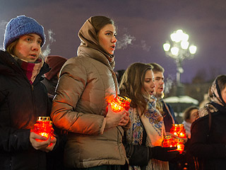 莫斯科民众悼念失事客机遇难者