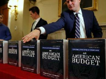 """外媒:特朗普公布4.4万亿美元新财年预算案 给美经济猛添赤字""""燃料"""""""
