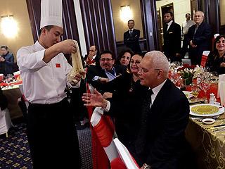 """尼罗河畔""""年夜饭"""" 共迎中国农历新年"""
