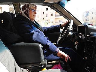 阿勒颇首位女性出租车司机