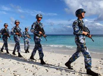 美叫嚣继续巡航南海 称中国在永暑礁建通信中心