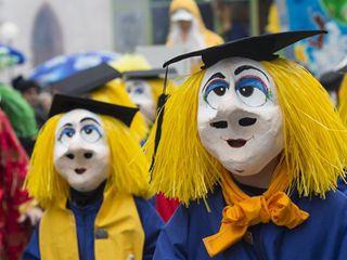 瑞士巴塞尔狂欢节盛装游行