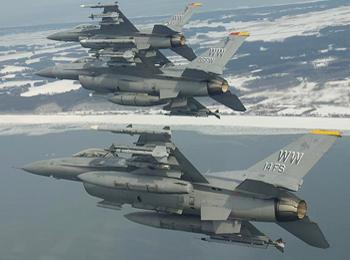 日媒:驻日美军战机空中丢副油箱引不满 渔民要求美军赔偿