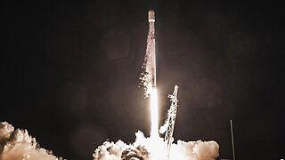 美私企发射卫星互联网项目首批测试卫星