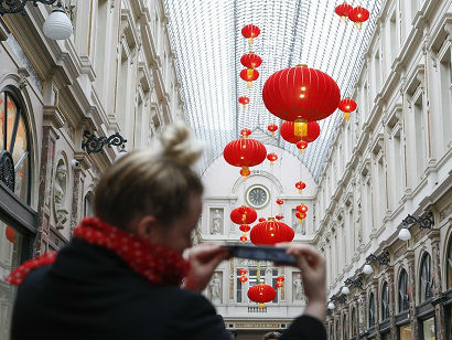 中国大陆游客出境消费额占全球五分之一 成世界旅游业引擎