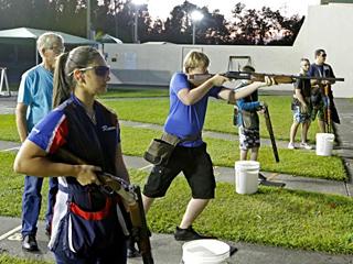 美国少女:射击是生活方式